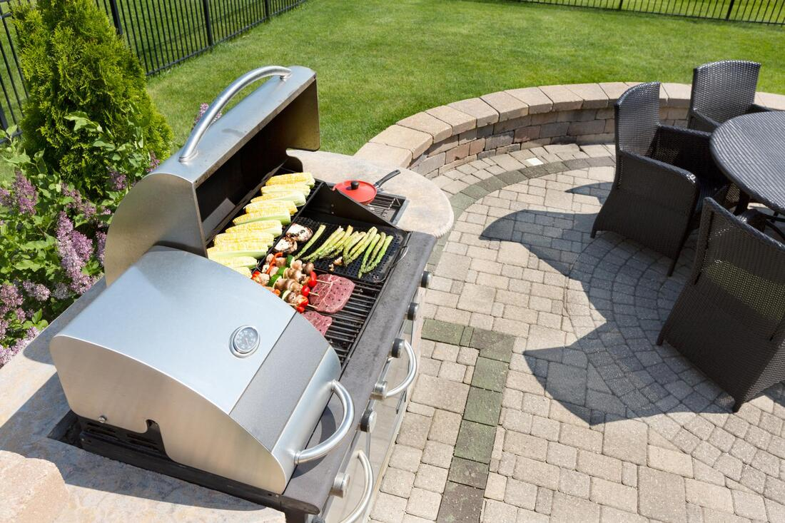 reliable outdoor kitchen services contractor